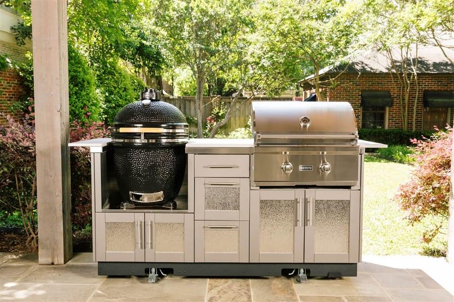 Outdoor Kitchen Essentials for 2021